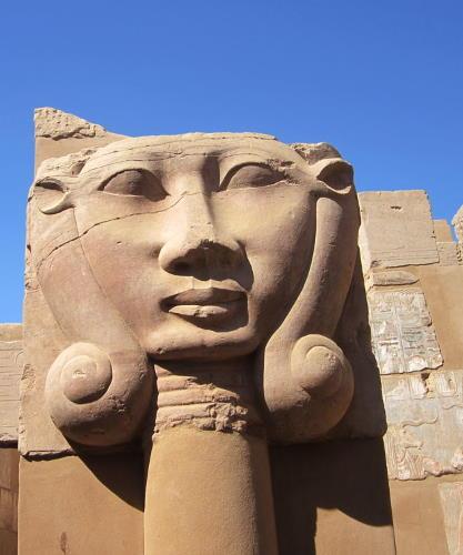 Säule mit Göttin Hathor
